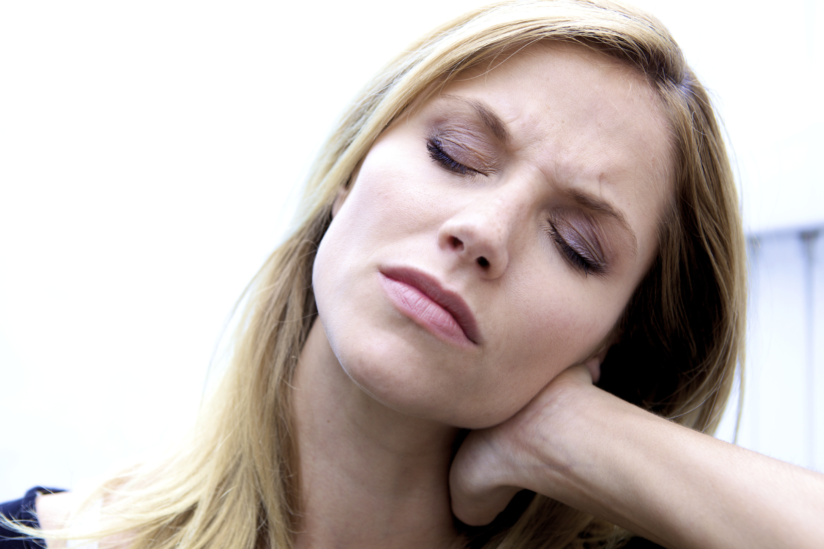 cysts on the liver symptoms